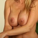 busty-cougar-nicole-08