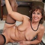 horny-housewife-lynn-12
