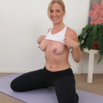 jenna-covelli-naked-yoga-05
